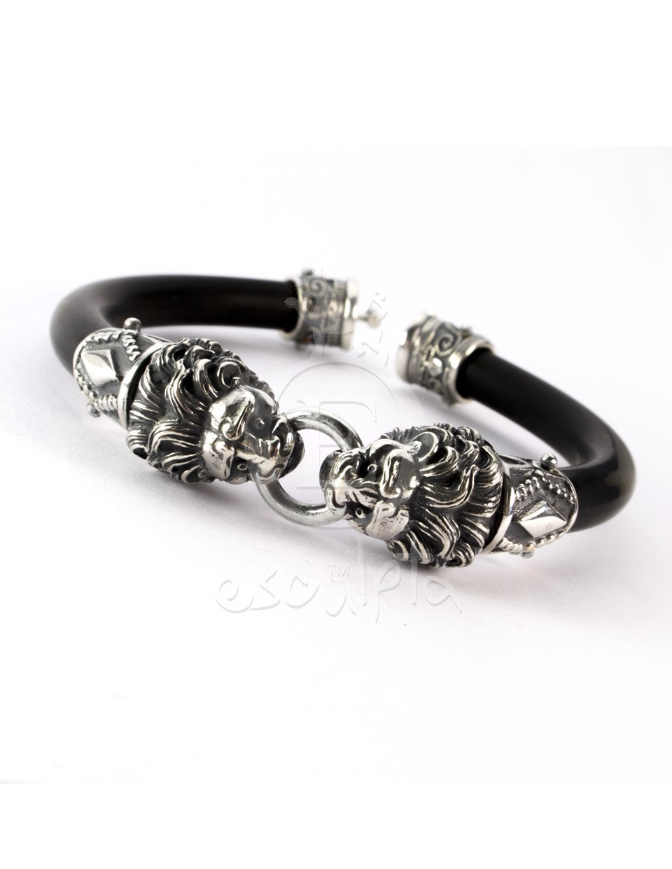 esculpta men 39 s silver and rubber lion torc bracelet. Black Bedroom Furniture Sets. Home Design Ideas