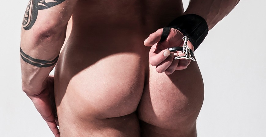 The battle of the underwear bulge
